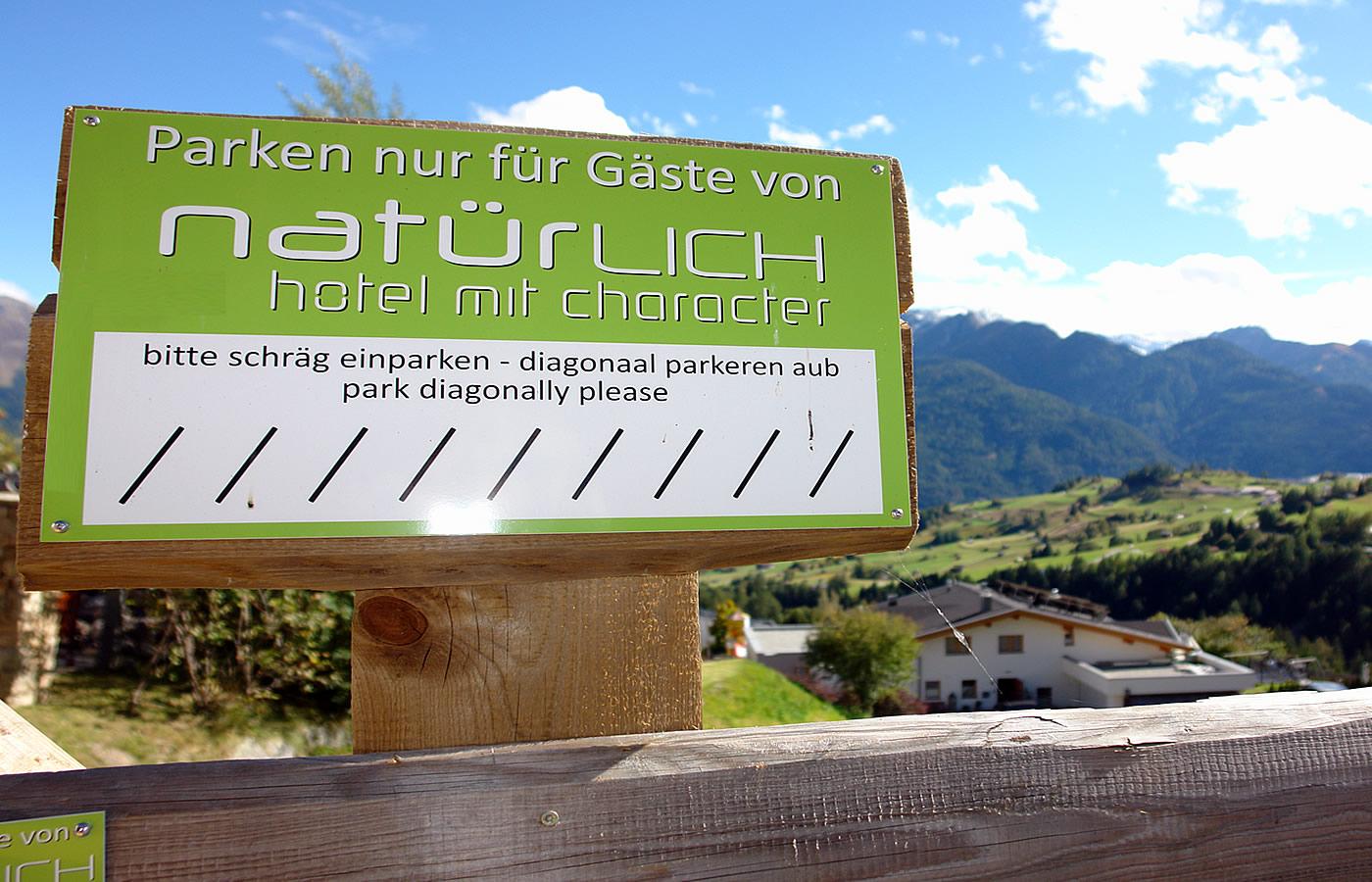 Garage Hotel Natürlich in Fiss, Tirol. Bikeparknähe im Sommer!