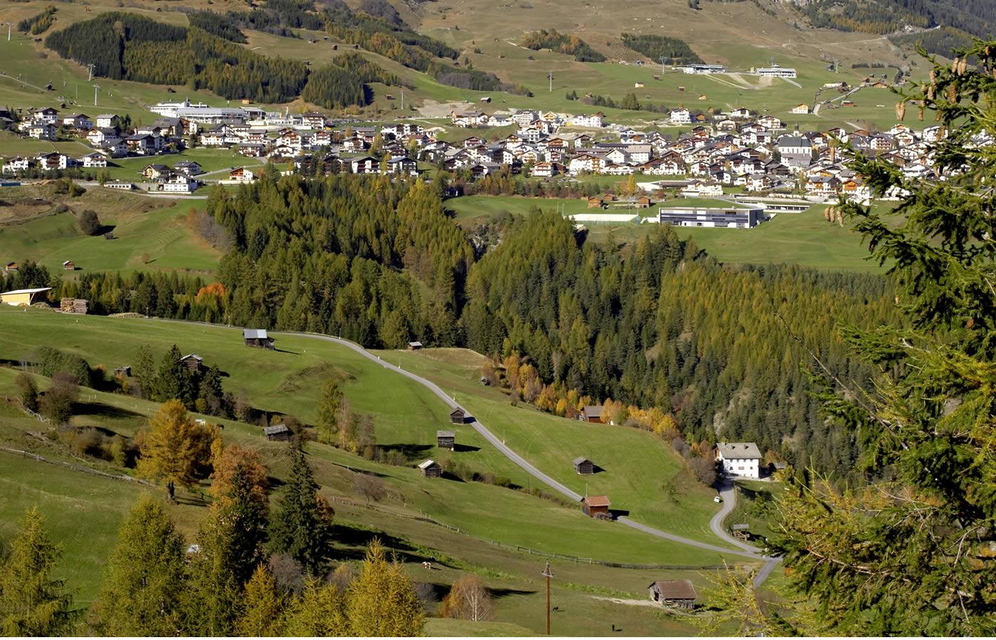 Dorfansicht Fiss - Familien-Sommer-Region in Tirol - Österreich!