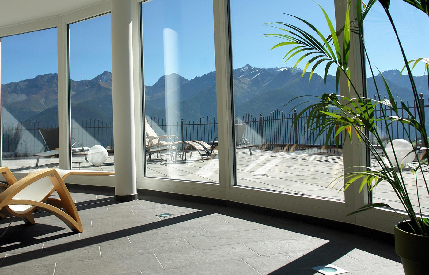Wellnessen mit Panoramablick über Serfaus-Fiss-Ladis in Tirol.